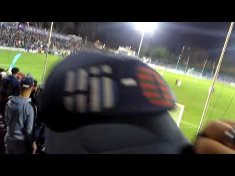"""""""Rampla decime que se siente"""" Barra: Los Villeros • Club: Cerro"""