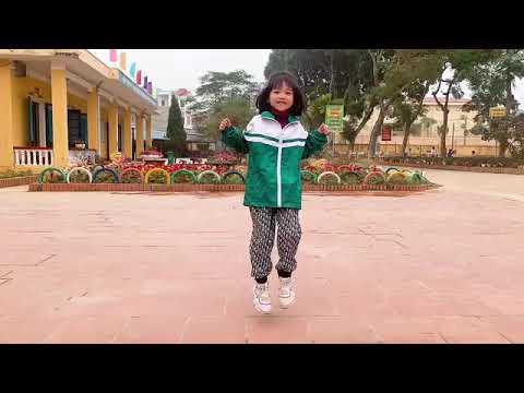 """Em Lê Hoài Anh lớp 1B trường Tiểu học Hà Thượng tham gia dự thi Chương trình """"Thiếu nhi Việt Nam rèn luyện thể thao - nâng cao trí lực"""""""
