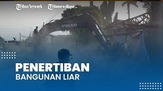 Satpol PP Kabupaten Bogor Robohkan Ratusan Bangunan Liar di Kawasan Salabenda