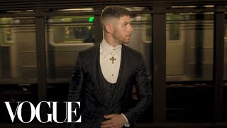 Nick Jonas Gets Met Gala Ready: Push-ups, Pizza, and Dreams of Rihanna | Vogue - Video Youtube