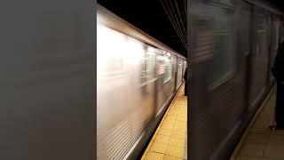 Queens Bound R42 Z train entering Broad Street