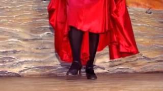 Смотреть онлайн Урок цыганского танца для начинающих