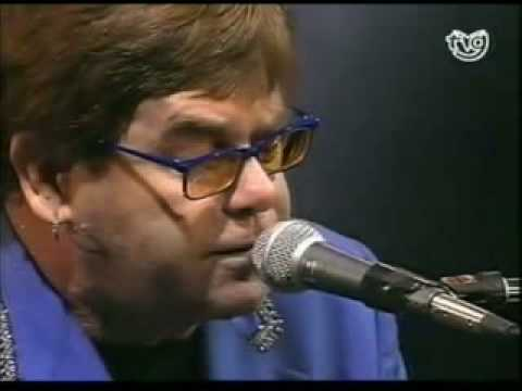 Elton John - The Greatest Discovery