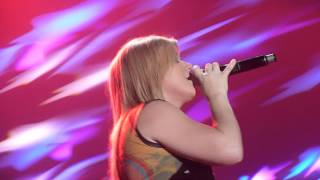 Kelly Clarkson - Walking On Broken Glass [Braehead Arena, Glasgow]