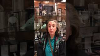 Watch here! Another satisfied customer doing business with Repair Palace is sharing her experience:
