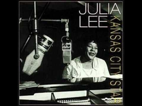 A Proper Introduction to Julia Lee: Thats What I Like