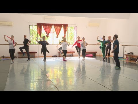 Ansambli shkon në Itali, këngët e vallet e jugut rrugëtojnë drejt Otrantos