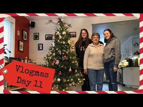 Decorating with my Oma | Vlogmas Day 11