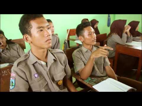 Jaga Kesehatan Mata, UKK Siswa SMK Wachid Hasjim Maduran, Oleh Mochamad Syahril hidayat
