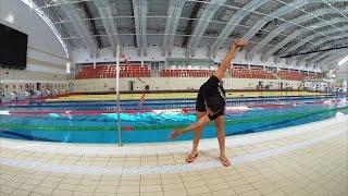 Смотреть онлайн Разминка на суше и в воде для начинающих пловцов