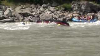 preview picture of video 'kaligandaki rafting in nepal'