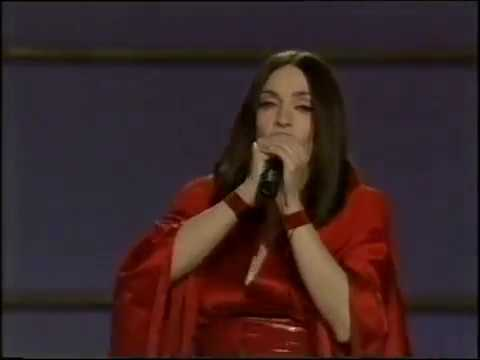Madonna - Nothing Really Matters (Live at Grammy Awards 1999)