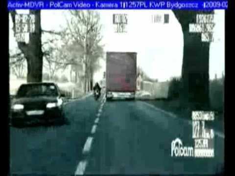 Pirat drogowy ucieka przed policją - 68 punktów karnych!