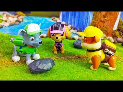 PAW Patrol 🐶 Spielzeug Kinderfilm | DIE NEUE AUSRÜSTUNG | mit Figuren von Rubble, Chase, & Marshall