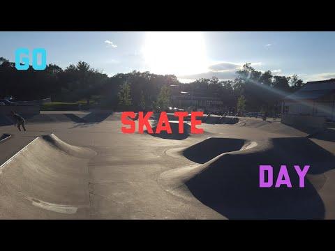 (GO SKATE DAY)AT THE DIKE WEST SKATE PARK  (VLOG #11)