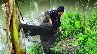 Net Fishing | Traditional cast net fishing in village | Fishing with a cast net (Part-78)