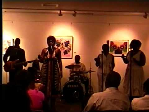 R&B  Soul Artist LeAndra performs Live @ Urban League's Vaughn Cultural Center STL Sep '09