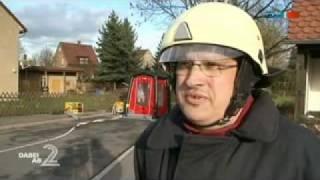 preview picture of video 'Gefahrgutunfall B7 Schmölln-Zschernitzsch 12.04.2011'