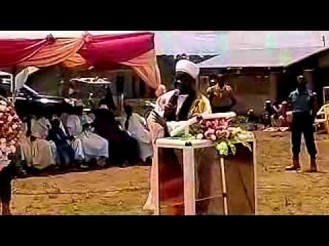 SHAIKH AMINU BAMBA YANA YIMA MUTANIN TUDU BAYANI AKAN ZAEEM ABDUL WADUD CIESSEY