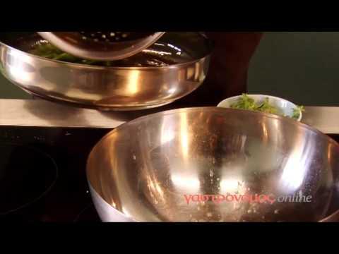 Πώς καθαρίζουμε τα σπαράγγια και τα κάνουμε ομελέτα