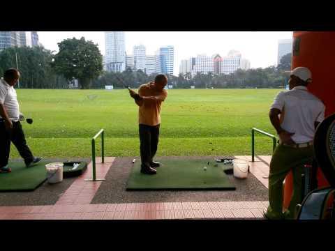 Video Cara bermain golf yang benar profesional golfers