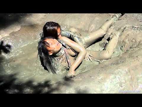 MessyModel v66 3 girls in mud