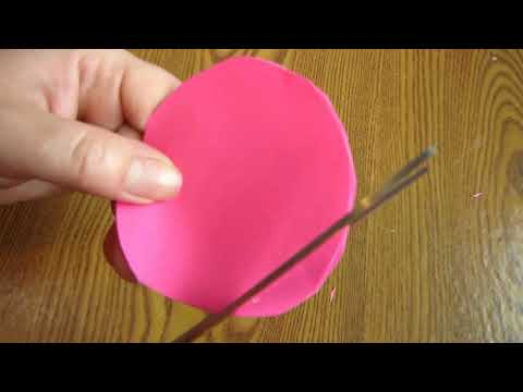 Make Awesome Photo Frame Out Of Newspaper Sticks Diy Newspaper
