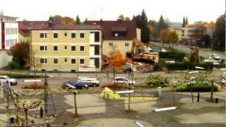preview picture of video 'Abbruch Germering, Untere Bahnhofstr. 42 - Timelapse'