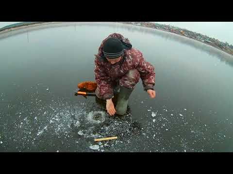 Рыбалка по первому льду на налима