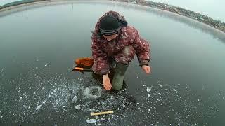 Рыбалка на налима по первому льду! Жерлицы на налима, первый лед. 2017год.