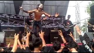 preview picture of video 'Tikar Mayit live in Lapangan Tennis Indoor, Sidoarjo (Sidoarjo Metal Underground series #1)'