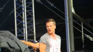 5ive singing when the lights go out in Ipswich five