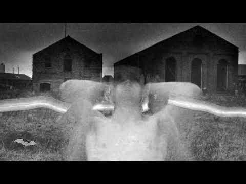 Cocteau Twins - The Hollow Men