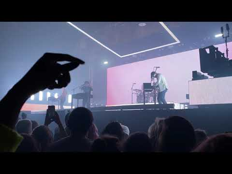 The 1975 - Frail State of Mind (Live in Chicago)