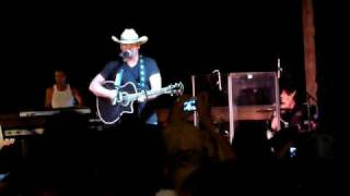 Chris Cagle- No Love Songs clip (start)