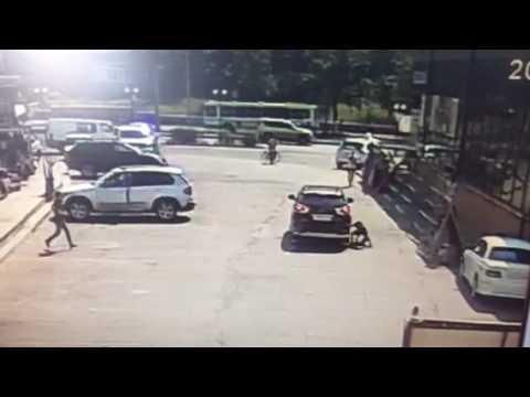 Трехлетний ребенок попал под колёса автомобиля Lexus