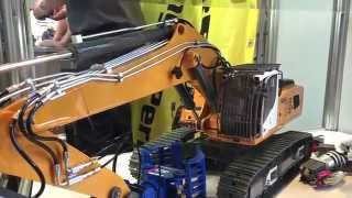 preview picture of video 'AMAZING RC SCALE FAIR COURSE Faszination Modellbau Friedrichshafen 2014 (Bagger, Lkw, Panzer, Zug)HD'