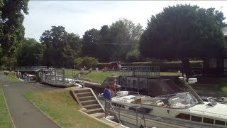 preview picture of video 'Cookham Lock'