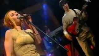 Saint Etienne - Sylvie  (Live V.I.P. 1998)