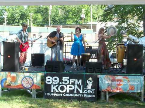 Murphey's Midnight Rounders 2013-06-08 River Hills Elderberry Festival