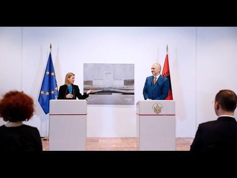 Mogherini: Ju po bëni gjëra të mëdha, suksesi juaj është sukses për Europën