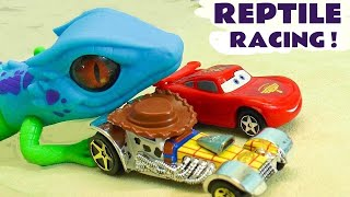 Hot Wheels Reptile Racing with Disney Pixar Cars 3 Lightning McQueen & Toy Story 4 Buzz Lightyear