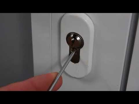 Aprire porta senza chiavi, metodo estremo  Per non chiamare il fabbro  Semplice