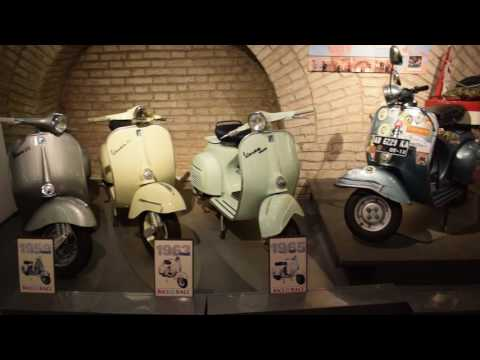 VESPA GTS Super 300:  Review in Rome!