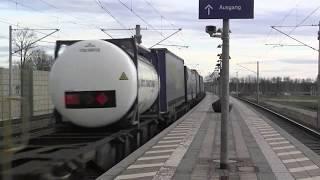 preview picture of video 'Mering-St. Afra Bahnhof 22.12.2013 mit Güterzügen und Lichthupe'