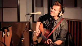 Jess and the Bandits - Love Sneakin' Up On You [LIVE From RAK Studios]