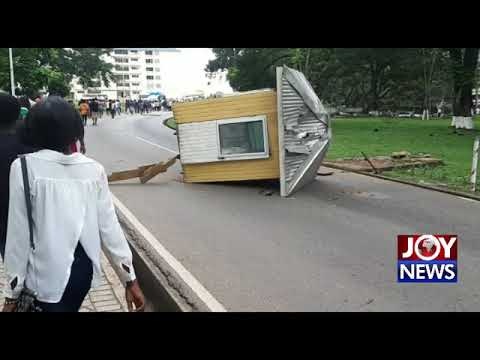 PICTURE STORY : KNUST Students vandalize school property. (24-10-18)