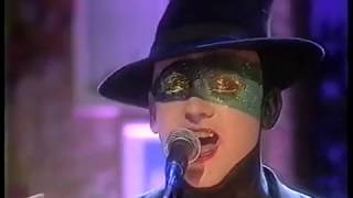 Boy George (The Twin) [2002] Out Of Fashion live on Today with Des and Mel