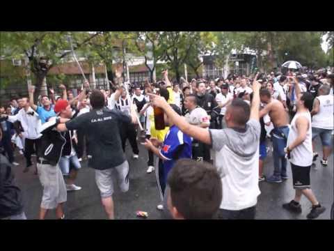 """""""""""Esta Es Tu Hinchada, Que Va Descontrolada"""".. ♪♫"""" Barra: La Peste Blanca • Club: All Boys"""