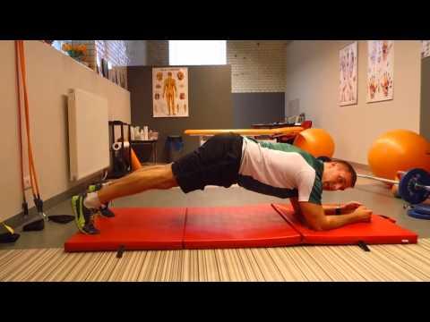 Ćwiczenia na mięśnie brzucha z kierownicą